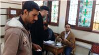 مصر تنتخب|   راعي كنيسة ماري يوحنا يدلي بصوته في بنها