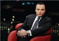 تامر عبد المنعم يتعرض لحادث تصادم بدراجته النارية