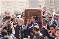صور| حزن ودموع في وداع عرّاب الجيل «أحمد خالد توفيق»