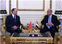 رئيس الوزراء يبحث التعاون مع المغرب في مجال السيارات