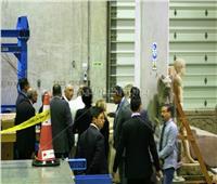الرئيس البرتغالي يتفقد غرفة «توت عنخ آمون» بالمتحف الكبير
