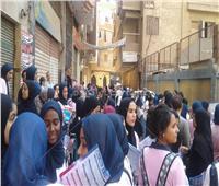 صور.. طلاب الثانوية العامة يستعدون بالمراجعات النهائية لأداء 3 امتحانات