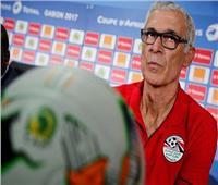 «المنيسي» عن «كوبر»: «مغلوب على أمره.. واتحاد الكرة ضعيف»
