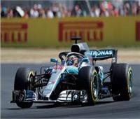 هاميلتون يتصدر التجارب الحرة لسباق بريطانيا عقب تصادم «هارتلي»