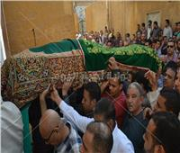 صور| محافظا سوهاج وأسيوط يتقدمان جنازة قدري أبو حسين