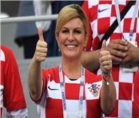 روسيا 2018| رئيسة كرواتيا تدعم منتخب بلادها من قمة «الناتو»
