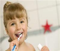 للأمهات| كيف تعلمي أولادك الطريقة الصحيحة لاستخدام فرشاة الأسنان؟