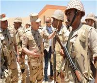 صور| رئيس الأركان يتابع سير العمليات العسكرية في سيناء
