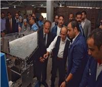 وزير التجارة والصناعة يتفقد مجمع الصناعات البلاستيكية بمنطقة مرغم
