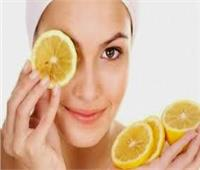 لجمالك| ماسك الليمون بالعسل لتفتيح الأماكن الداكنة