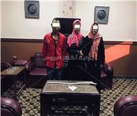 ننشر أول صورة للمتهمين بتعذيب «طفل ميت غمر».. بينهم والدته وشقيقته