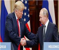 ماذا تكشف لغة الجسد بين بوتين وترامب قبل وبعد اجتماعهما
