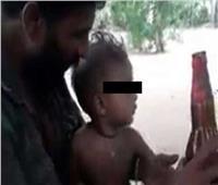 شرطة سريلانكا تعتقل أبا بتهمة إرضاع طفله الـ«بيرة»