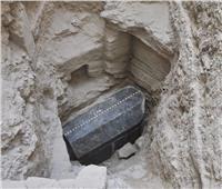 «سائل أحمر» و«روائح نفاذة» أول مستخرجات تابوت الإسكندرية الأثري
