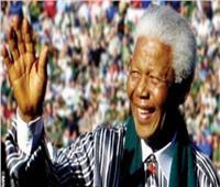 «جدي مانديلا» أحدث مؤلفات ابنة المناضل الإفريقي الراحل في ذكرى مولده