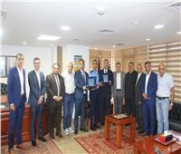 السفير الفلسطيني يكرم طالبي كلية الشرطة المتفوقين في مصر