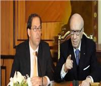 «الشاهد» و«السبسي ونجله» .. صراعٌ لفرض نفوذ الحكم يُدخل تونس النفق المظلم