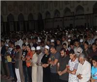 صور| المئات يؤدون صلاة خسوف القمر في الجامع الأزهر