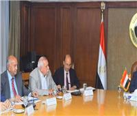 «وزير التجارة»: إعداد خطة شاملة لتنمية وتطوير «الصناعات النسيجية»
