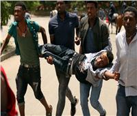 بالصور|جنازة مدير سد النهضة تتحول لاشتباكات بين محتجين والشرطة