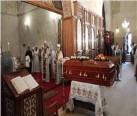 بدء «صلاة التجنيز» علي روح الأنبا إبيفانيوس بدير أبو مقار