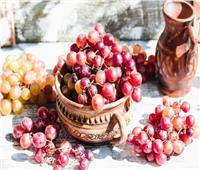 «فوائد العنب الأحمر»..أبرزها تقوية المناعة والوقاية من السرطان