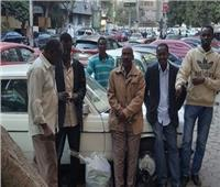 السودانيون في مصر يسمعون أم كلثوم والشيخ عبدالباسط ويعشقون الكشري