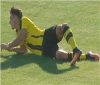 فيديو| بعد 9 عمليات جراحية ..لاعب «دورتموند» يتعافى