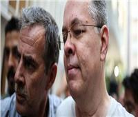مسئول أمريكي يهدد تركيا بمزيد من العقوبات بسبب القس المُحتجز