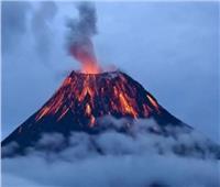 اليابان ترفع مستوى التحذير من ثورة بركانية وتستعد لإخلاء إحدى جزرها