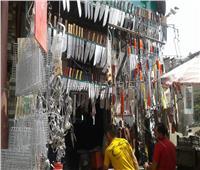 فيديو وصور| في شارع المدبح.. مولد لبيع أدوات الذبح قبل «عيد الأضحى»
