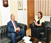 وزيرة التخطيط ومحافظ البحر الأحمر يبحثان آليات تحقيق التنمية المتكاملة