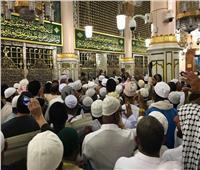 شاهد| لهفة الحجيج على زيارة قبر الرسول والصلاة بالمسجد النبوي قبل التوجه لمكة