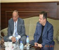 جلسة مباحثات بين وزير الخارجية الصربي ومحافظ البحر الأحمر لزيادة أعداد السائحين