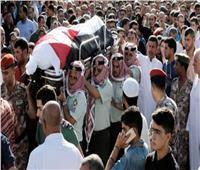 الأردنيون يقيمون صلاة الغائب على أرواح شهداء الفحيص والسلط