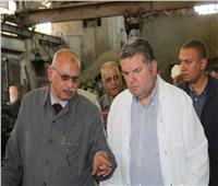 جولة مفاجئة لوزير قطاع الأعمال العام على مصانع «الدلتا للصلب»