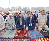 سكرتير عام المنوفية ومدير الأمن يؤديان صلاة العيد وسط آلاف من المواطنين