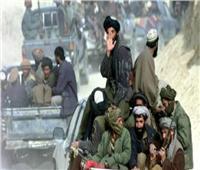 طالبان تطلق سراح 160 مدنيا وتبقي على 20 رهينة على الأقل