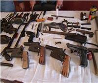 «الأمن العام» يضبط 46 متهما وبحوزتهم 54 قطعة سلاح ناري