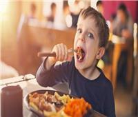 4 حيل لإقناع طفلك بتناول اللحوم