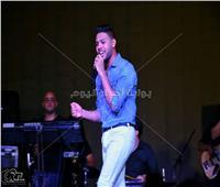 صور| محمد شاهين ومنة عطية يتألقان في حفل العيد بفاملي بارك