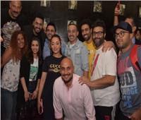 صور| تامر حسني يشاهد «البدلة» مع الجمهور في سيتي ستارز