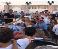 فيديو| عمرو دياب يحيي حفل غنائي خاص بالساحل الشمالي