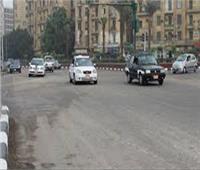 فيديو| سيولة مرورية تامة على الطرق والمحاور الرئيسية بالقاهرة