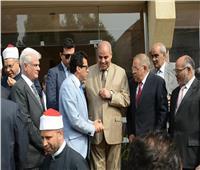 صور| وزير الشباب يكرم رئيس جامعة الأزهر