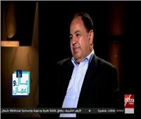 فيديو| المسئولية تتسبب في بكاء وزير المالية على الهواء