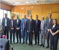 محافظ الإسماعيلية يؤكد ضرورة التوافق مع البرلمان لتحقيق أمال المواطنين