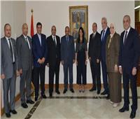 تعرف على تفاصيل اجتماع وزيرة السياحة بأعضاء اللجنة العليا للحج