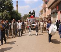 محافظ المنوفية ومدير الأمن يتقدمان الجنازة العسكريةللشهيد المجند علاء محمد الدسوقى