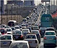 كثافات مرورية بسبب تعطل سيارة أعلى كوبري أكتوبر